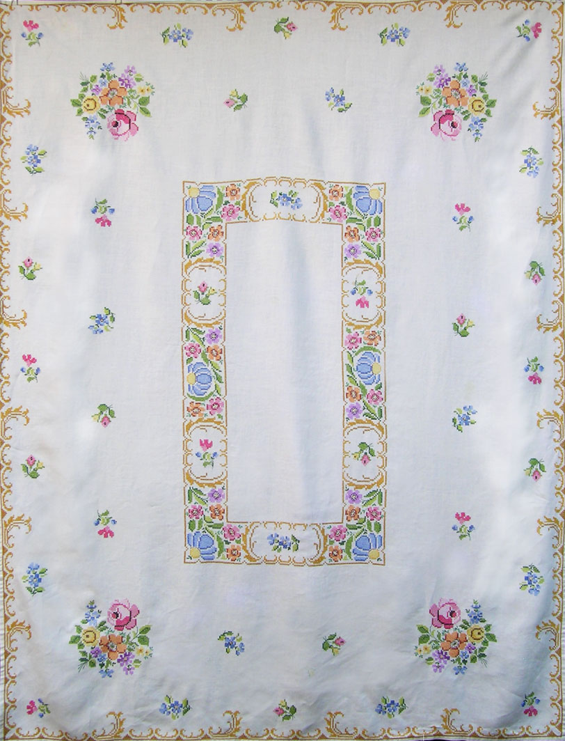 embroidered-tablecloth1