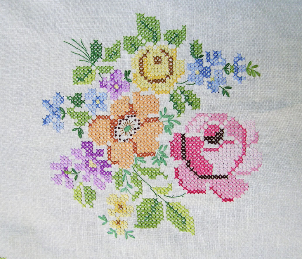 How to hand embroider a tablecloth